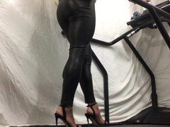 Shiny pvc vidz leggings walking  super .