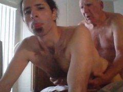 Elderly man vidz doing a  super young man doggy style