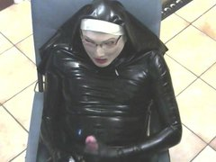 Latex nun vidz cum