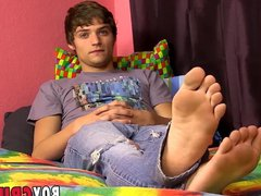 Interview and vidz solo masturbation  super session with a young homo