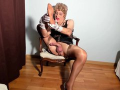 the pleasure vidz of stroking  super nylon-wrapped legs and wanking the