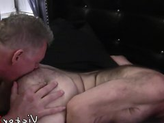 Bottom guy vidz bends over  super and takes it from behind bareback