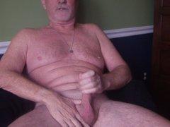 Masturbating while vidz on cam