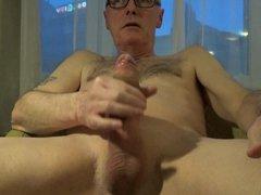 Perv Ulf vidz Larsen wank  super & ejaculate in hotel
