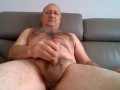 DADDY IN vidz SOFA -  super SOLO MASTURBATION. MATURE MEN