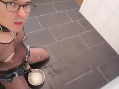 Piss drinking vidz Sissy Bitch  super in Chestity Cage