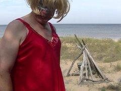 blonde in vidz red lingeri  super at the seaside demonstrates herself 9
