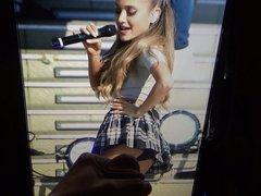 Ariana Grande vidz cum tribute  super 1