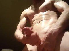Hunk muscle vidz masturbation off