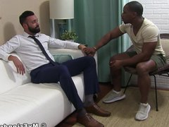 Bearded gentlemans vidz feet licked  super and toes sucked by black gay