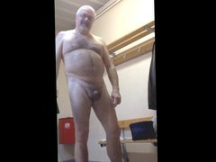 Bearded daddy vidz in locker  super room