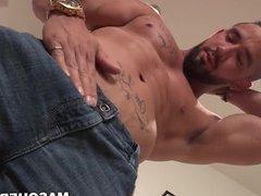 Bearded muscular vidz homo Zack  super Lemec masturbates big cock solo