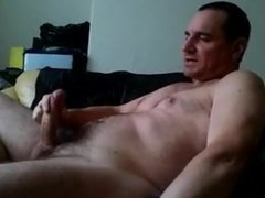 tommylads dad vidz wanks out  super a nice load on the sofa