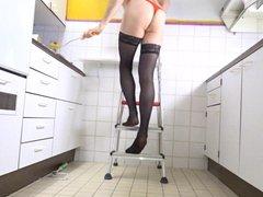 Painting the vidz kitchen