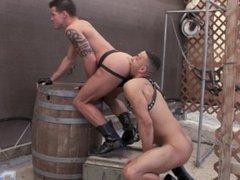 Body Beautiful vidz Casey Everett  super Gets Fucked by Zario Travezz Bareback