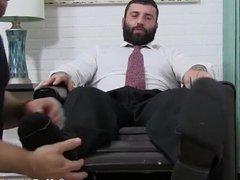 'Buff business vidz stud cums  super hard after having his feet worshiped'